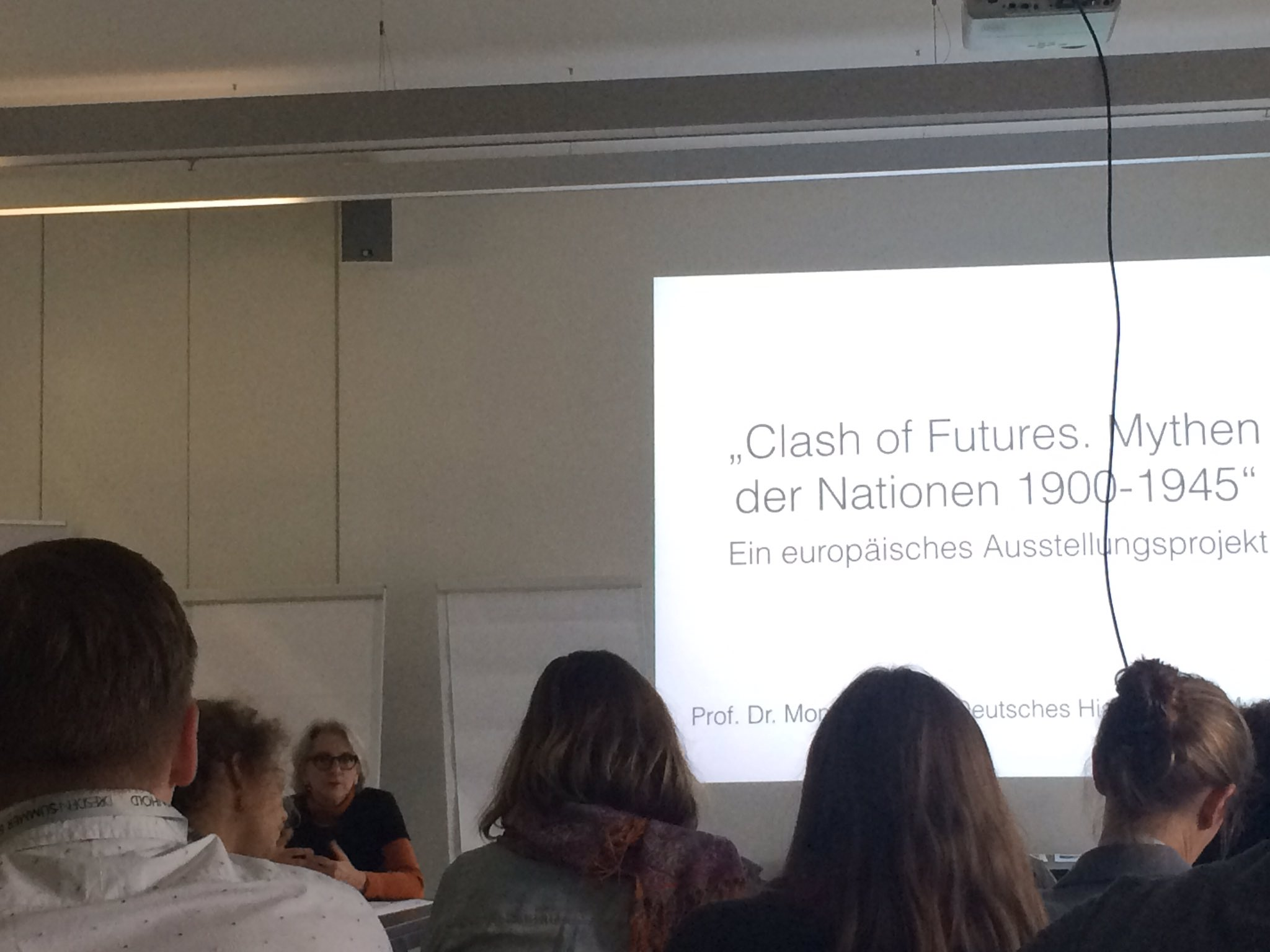 Workshop im @MHMDresden mit Monika Flacke aus dem #DHM und P. Carasco @carascopetschko: Clash of Futures - Mythen der Nationen #ddss16 https://t.co/JYeOqAT0j8