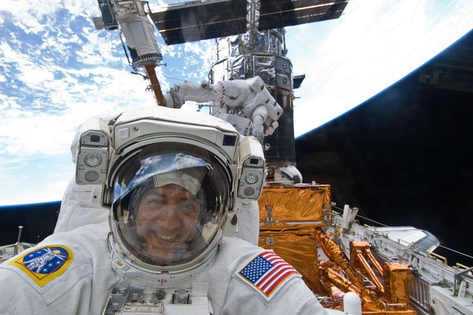 Happy #WorldSpaceWeek! Grateful to have been part of the great @NASA team, inspiring present and future explorers! https://t.co/RkU7j5WhuI