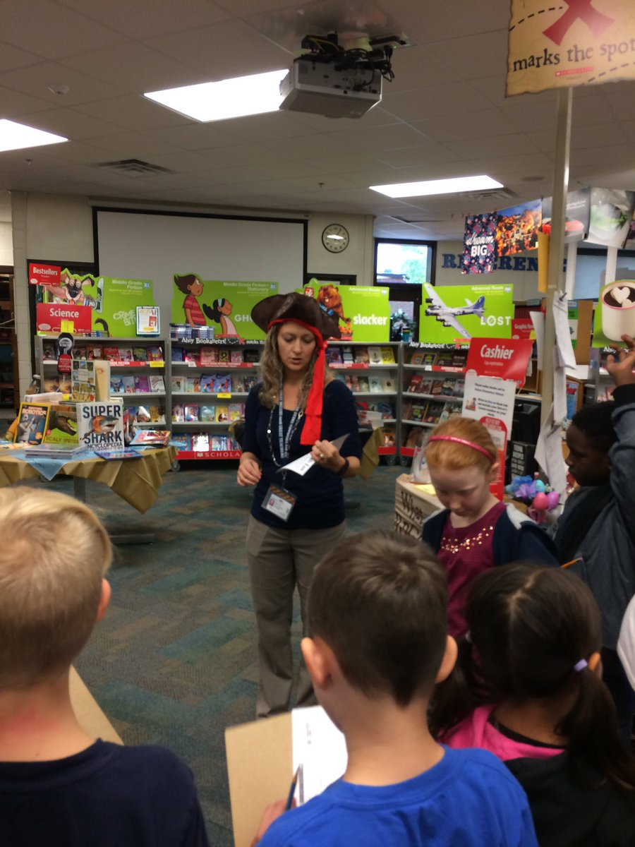 We have a pirate in the house! SalemES' librarian, Pirate Mrs. Olinda, works the Bookaneer book fair!