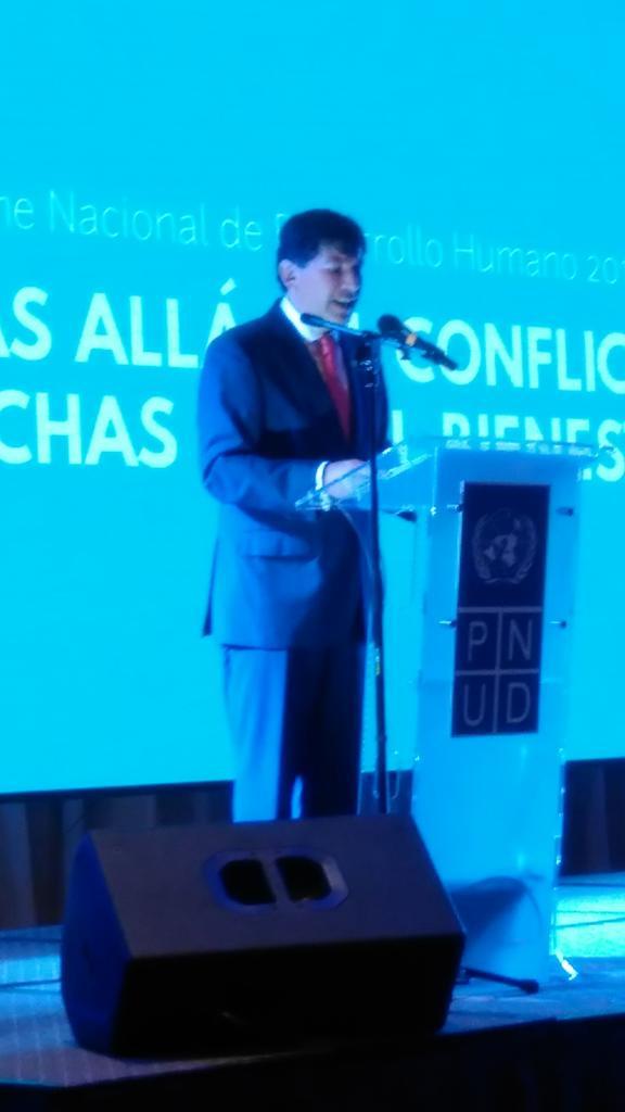 Igor Garafulic, director del @PNUDGuatemala resalta las manifestaciones del 2015. Hay un análisis en el #IDHgt2016 https://t.co/UXEqZ9uk05