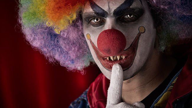 Threat says clowns coming to all London high schools to kidnap students and kill teachers https://t.co/LDgA68FGZC https://t.co/mShydpM7no
