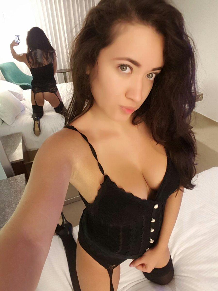 Sexy mamasita en sesion de fotos mostrando su vestido sexy - 2 part 9