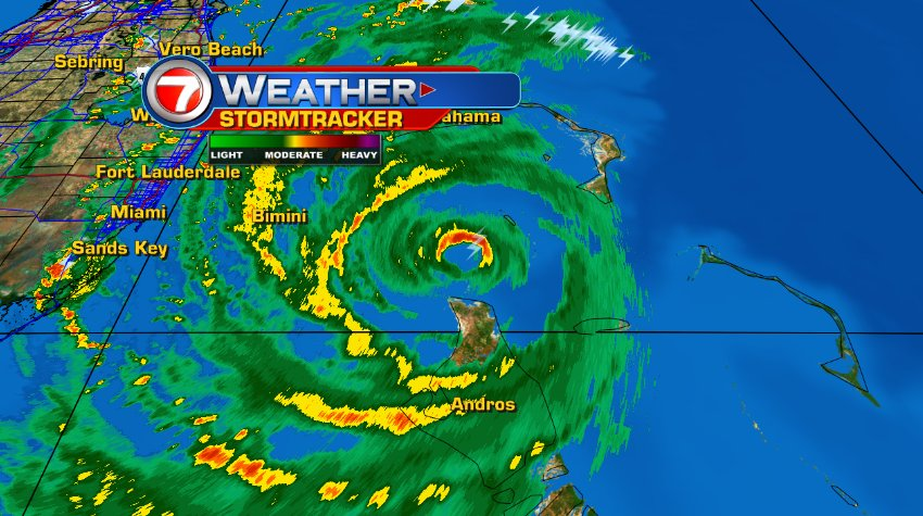 #HurricaneMatthew producing a heavy rain band expected to move onshore Broward & Miami-Dade in next 30min, @wsvn https://t.co/HPrTDoErtg