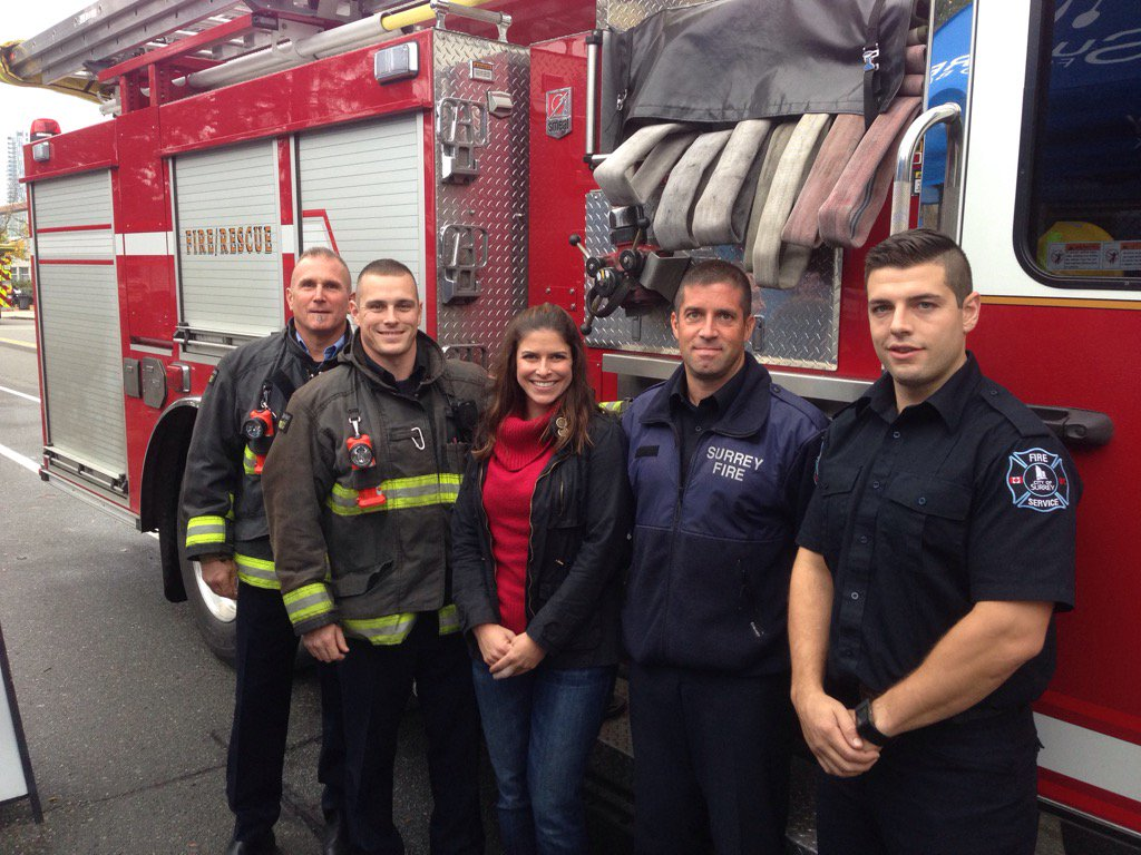 #thanks @SurreyFRS @Local1271 for coming to @SurreyFoodBank @GlobalBC #thanksforgiving https://t.co/tD2vXhx1zm
