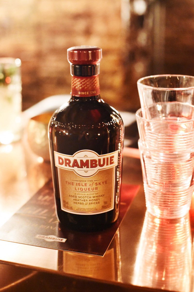 Learning to make iconic cocktails at the @Drambuie Mastercla..