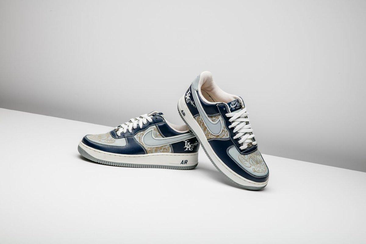 sports shoes f2b26 16410 Stadium Goods on Twitter: