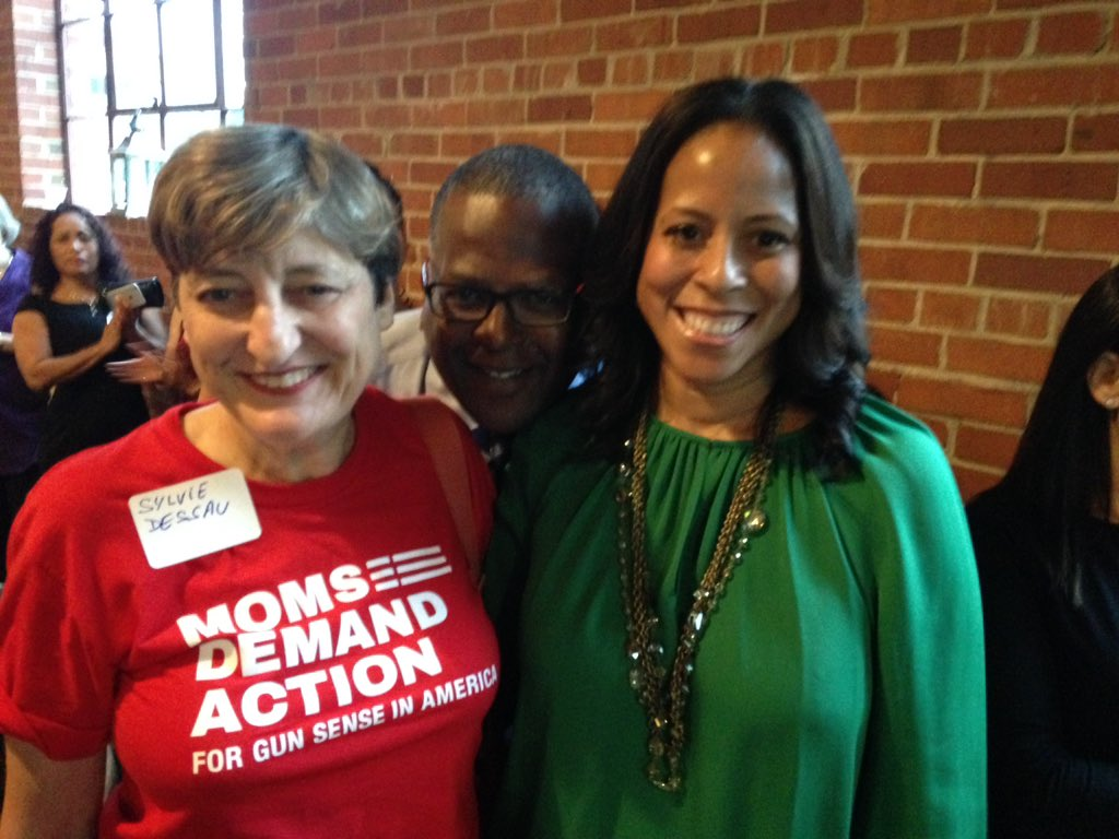 .@momsdemand at the official launch of #Wren in  Columbia, SC with @MiaforSC  photobombed by @SteveBenjaminSC https://t.co/kpiATOLvA1