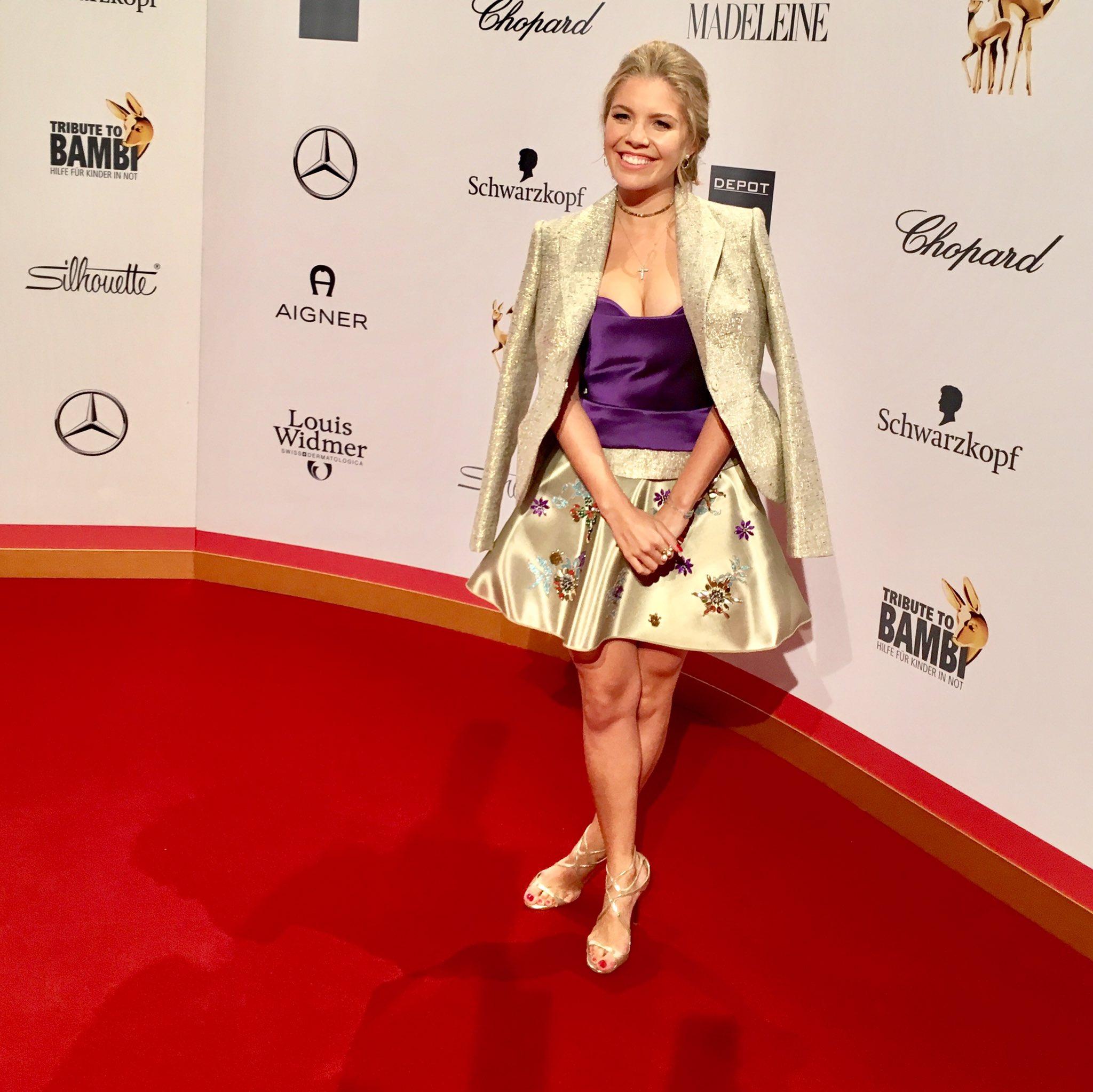 Victoria Swarovski Supertalent Outfit