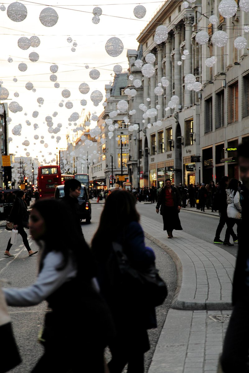 7d8ebcac4 on a cold grey day in London ... two years ago ...  London pic.twitter.com QeYZg8iyCl