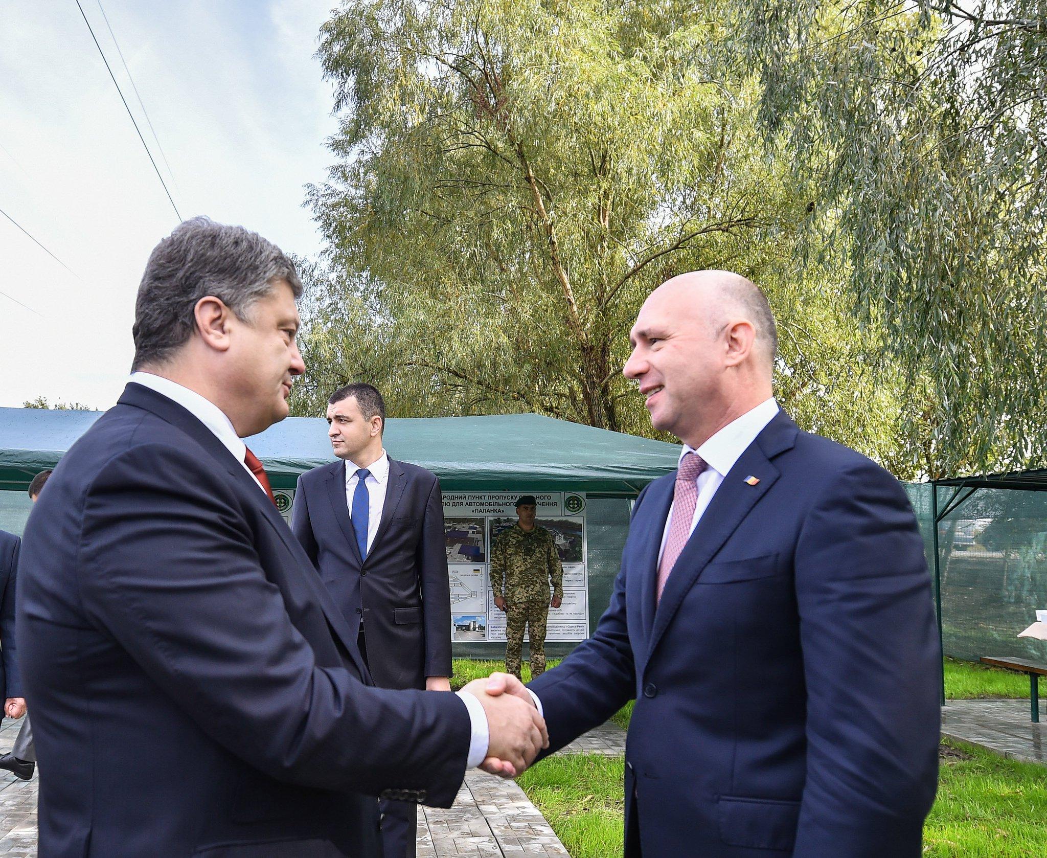 Порошенко домовився про міст і паром через Дунай та новий пункт пропуску - фото 1