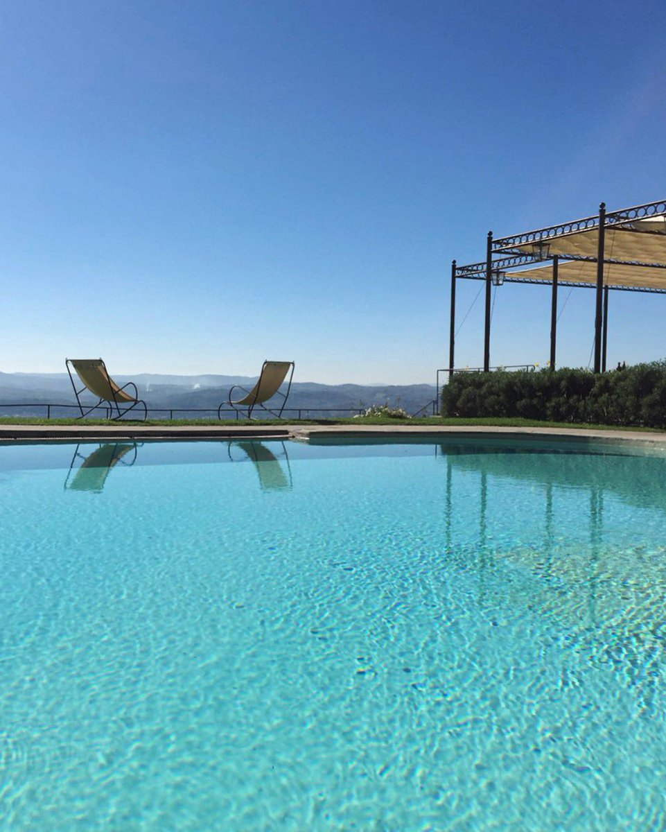 Sunny October days in #Florence call for a dip in our heated pool! #BelmondPostcards https://t.co/wrynRD8OJg