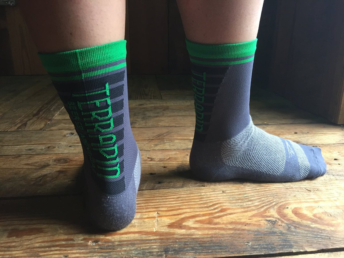 We just added @Defeet custom socks to the gift shop! Retweet to win a pair! https://t.co/v9g793Q2MQ https://t.co/Qx6MsAXj1p