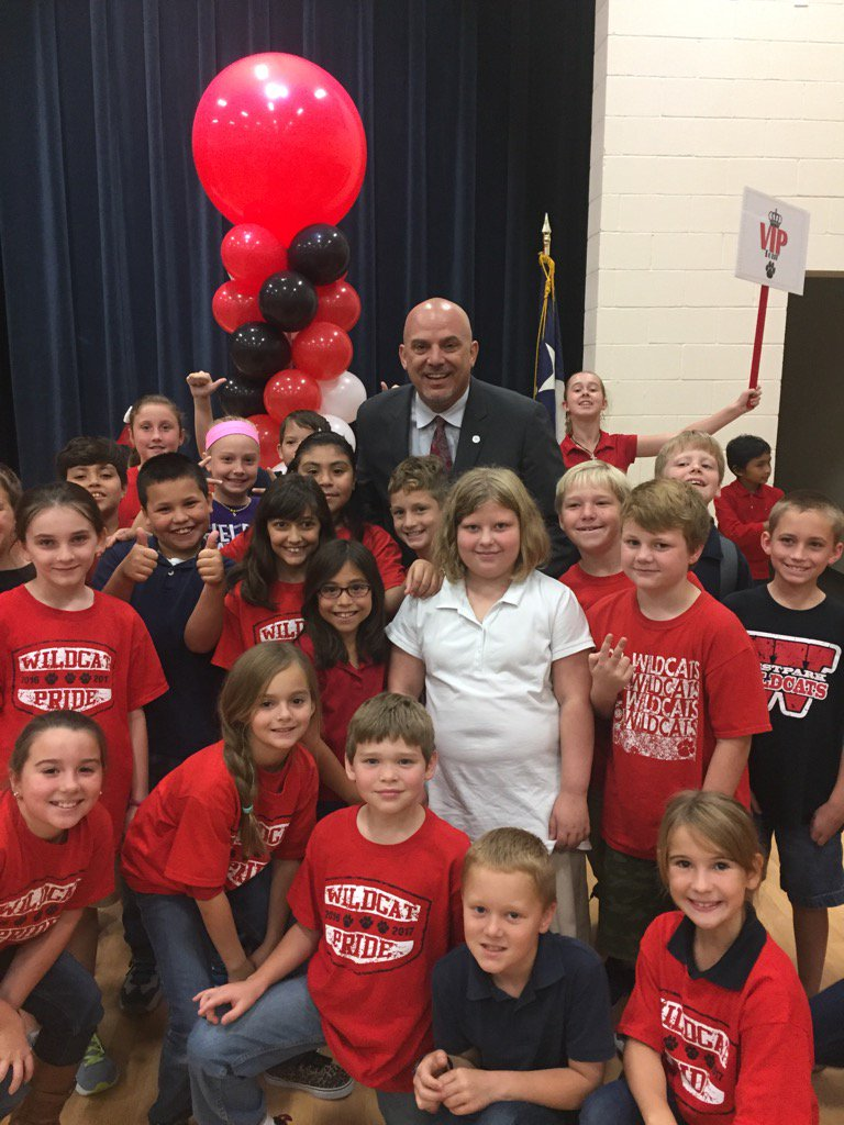 @KentPScribner celebrating a beautiful new campus with Westpark Elementary students.