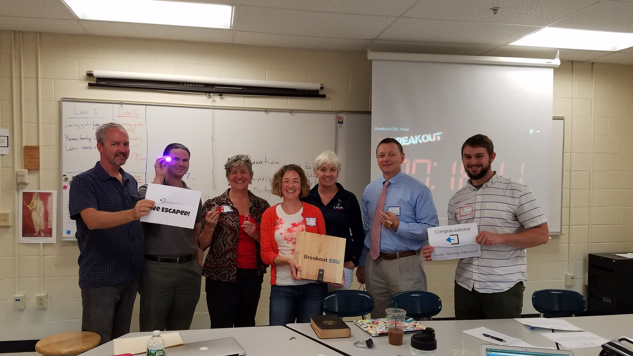 Teachers broke out of the faculty meeting with 15 minutes to spare! #yfinnovate #breakoutedu https://t.co/OLZCG1qLxj