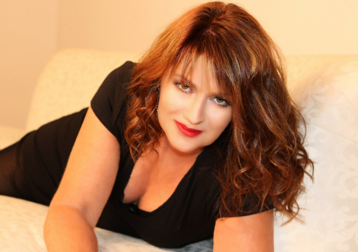 Sandy Brooke