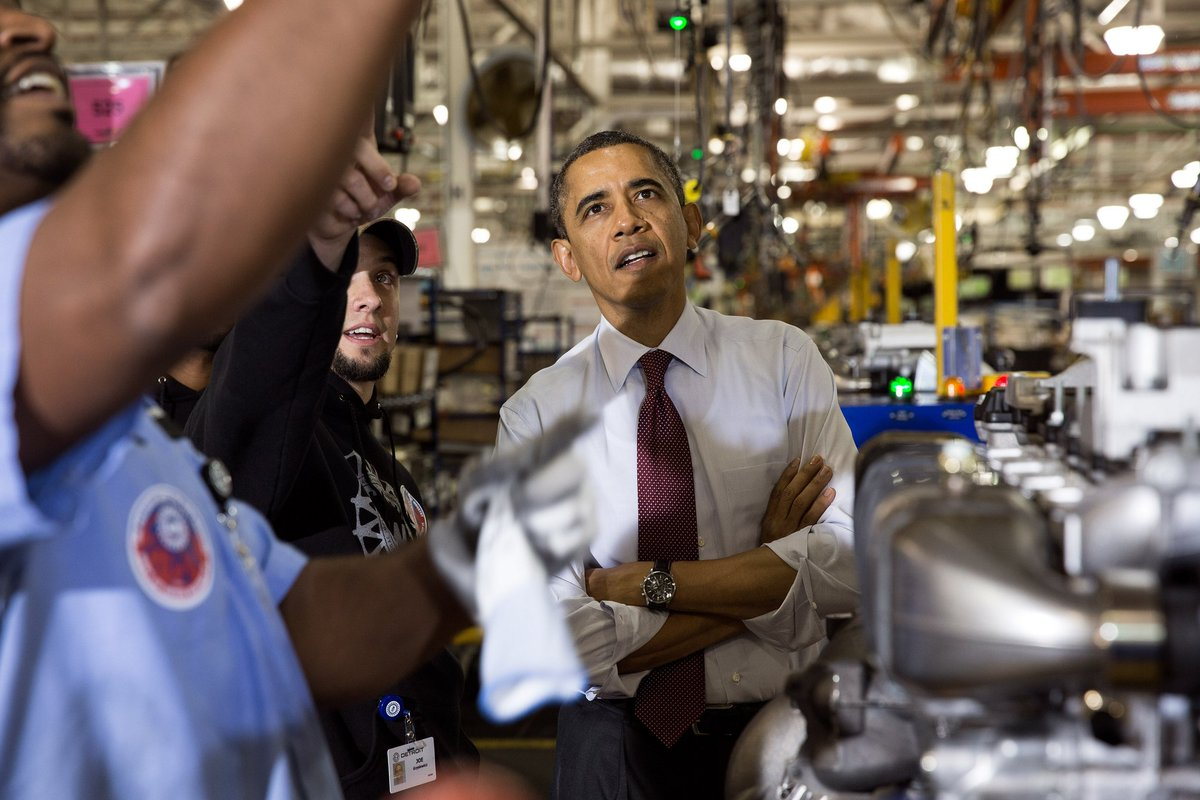 Since 2010, we've: Added more than 800,000 manufacturing jobs ✔  Witnessed the fastest manufacturing job growth since the 1990s ✔  #MFGDay16 https://t.co/PjEw70aTCp