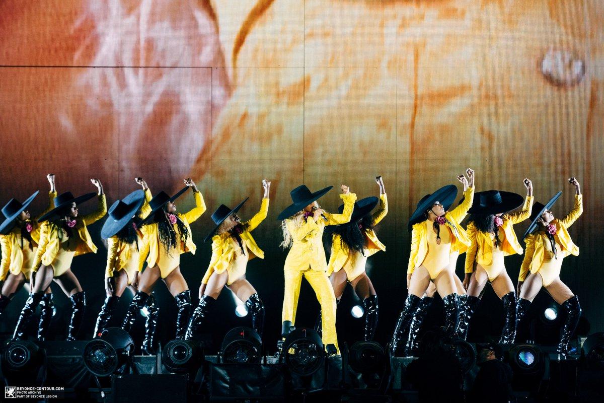 Beyoncé >> The Formation World Tour - Página 44 CuN-8ouWgAAjcPF