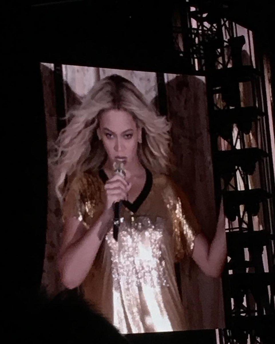 Beyoncé >> The Formation World Tour - Página 44 CuN1WsiWAAEkCDb