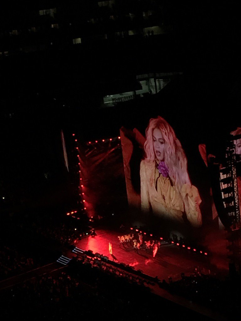 Get in formation! @Beyonce slaying it at #MetLifeStadium 'better call Becky with the good hair'