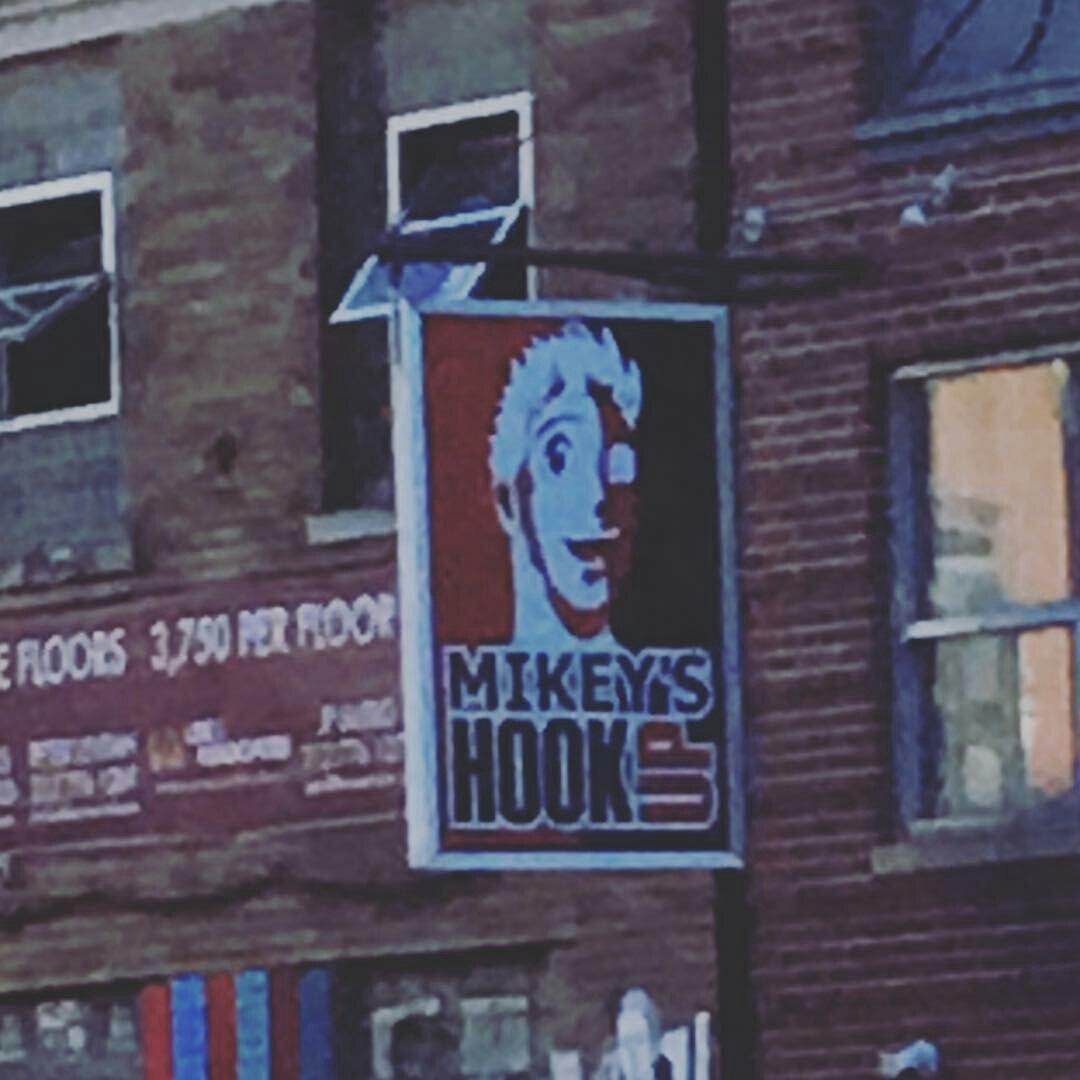 Mikey är hookup Brooklyn