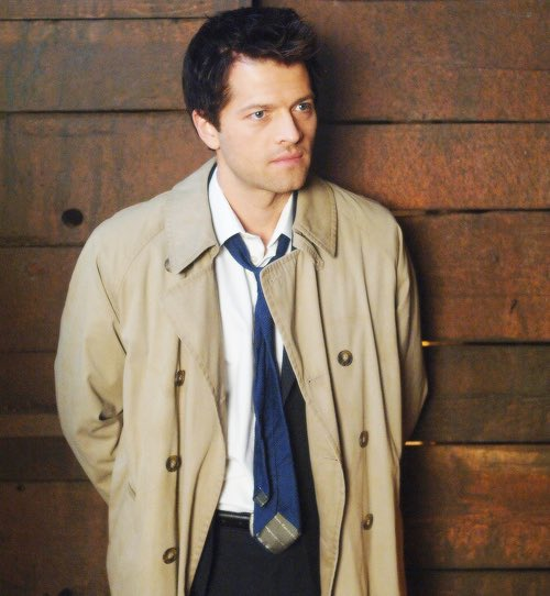 M on twitter cas wearing his tie backwards will never not be the cas wearing his tie backwards will never not be the cutest thing in the world this baby in a trench coatpicitterpbea3zef9f ccuart Image collections
