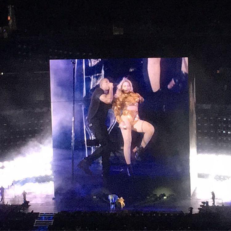 Beyoncé >> The Formation World Tour - Página 44 CuNsy6tWEAETGnv