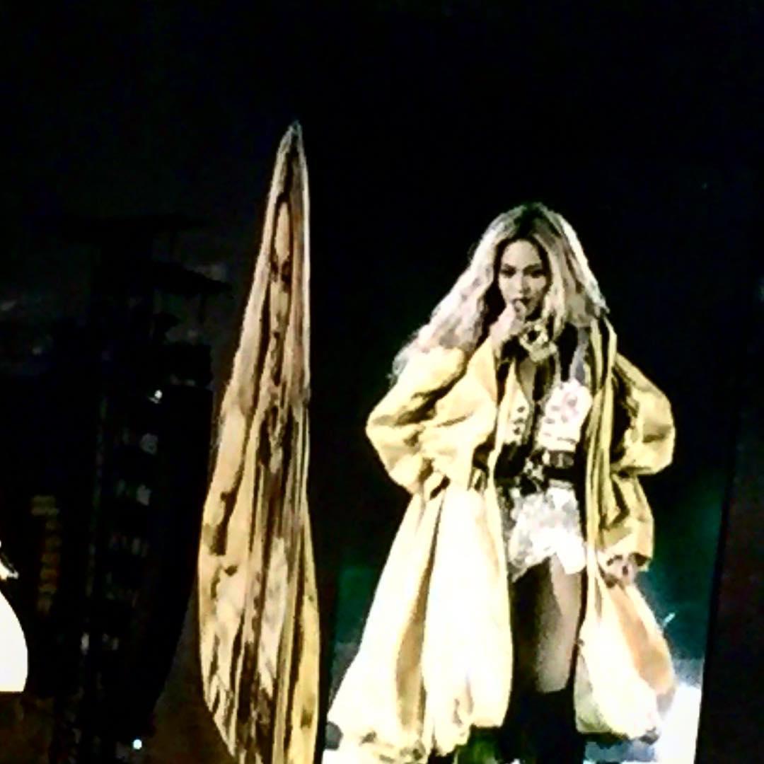 Beyoncé >> The Formation World Tour - Página 44 CuNzIfEXEAAif6I
