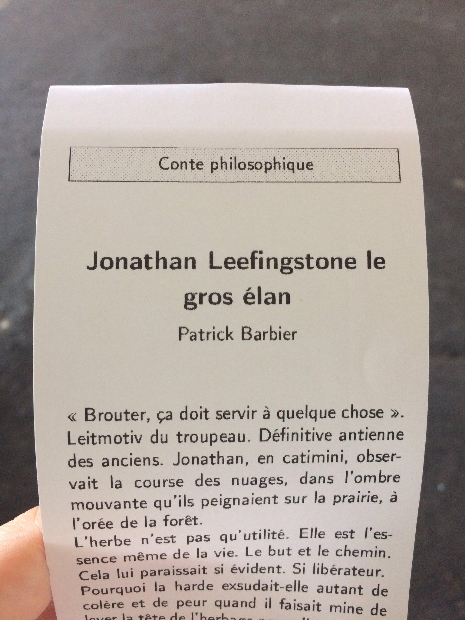 Cet après-midi, après #despoliti, on teste le distributeur d'histoires courtes de la @SNCF, @MellePotopov 😉 https://t.co/tWyO5wo7ky