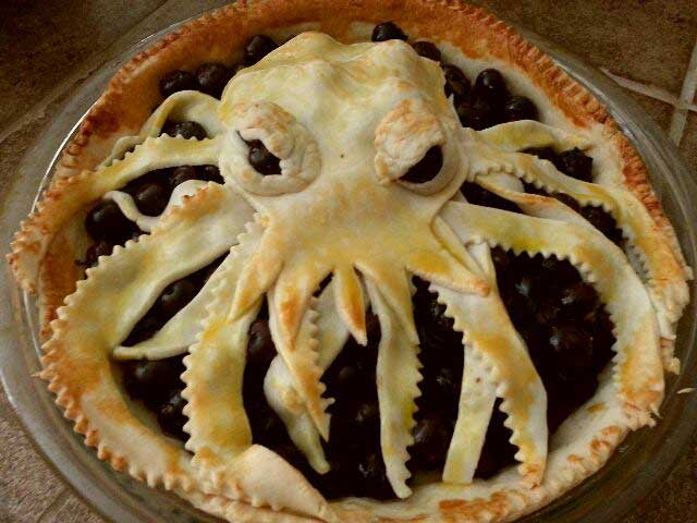 RT if you think this Cthulu pie would do a better job running for President than Donald Trump.