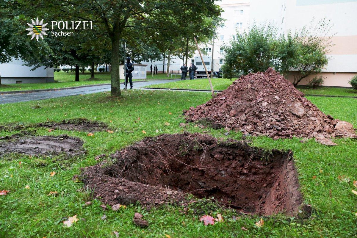 BRD under attack – Terror und Panik: München, Würzburg, Ansbach, Reutlingen - Seite 3 CuQmPF4WIAAbLeC