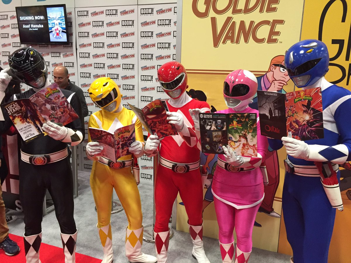 The Mighty Morphin' Power Rangers got pretty invested in our #MMPR comics at #NYCC! https://t.co/Rc5m6jVvTL