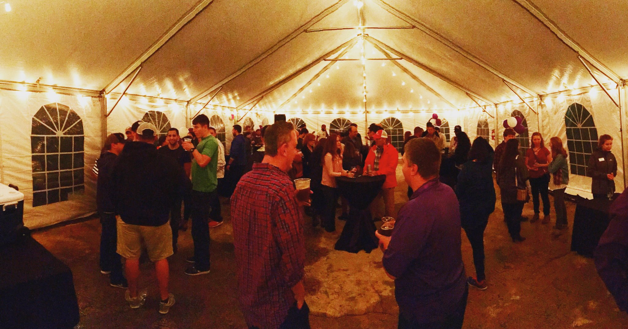 Oktoberfest is packed at @browntruckbrew for #HPUAlumniWeekend2016! We ❤️️ our #HPUAlum! https://t.co/n99XyABB5S
