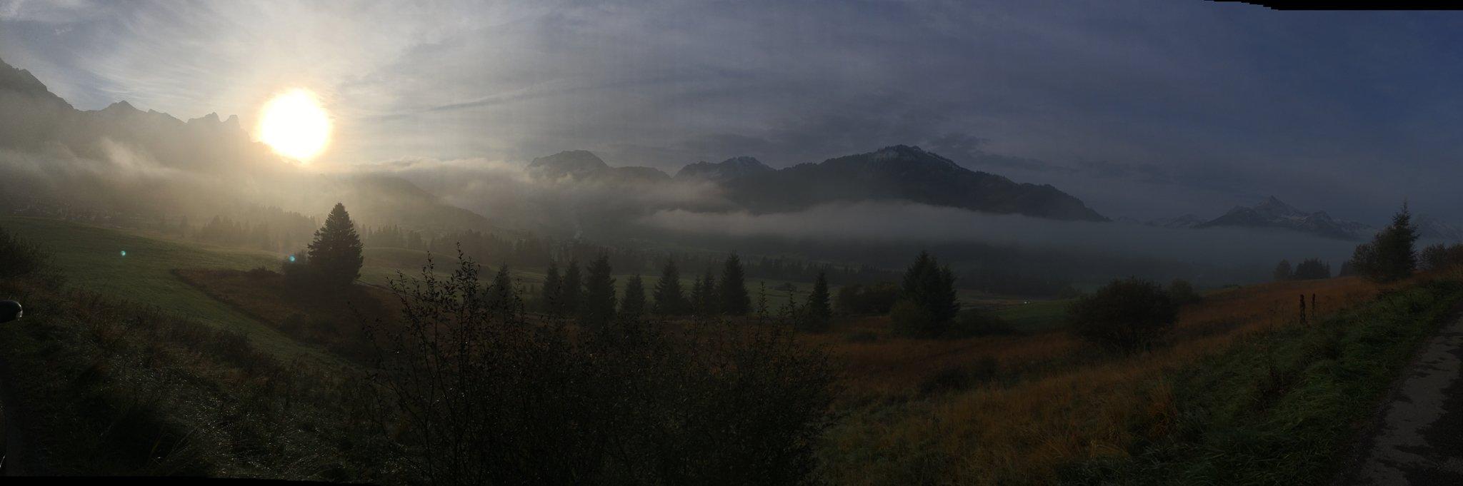 """Es folgen Fotos aus der Reihe """"Morgennebel im Tannheimer Tal"""" #meurers #TannheimerTal #Nebel https://t.co/nATGOg9E6a"""