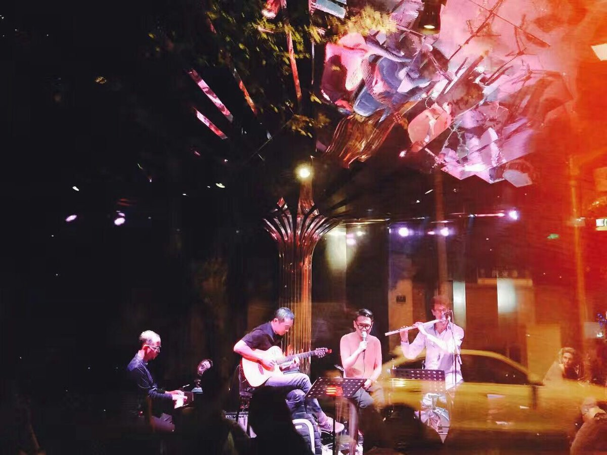 Gabriel Guerrero as guest artist at Heyday Jazz Club in Shanghai, CHINA 10/6