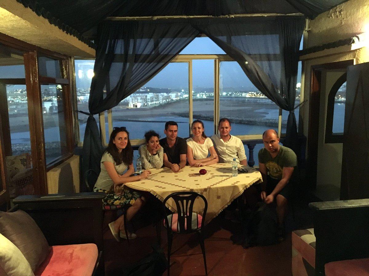 Ultima seară din Rabat am petrecut-o într-o terasă frumoasă cu vedere spre ocean.