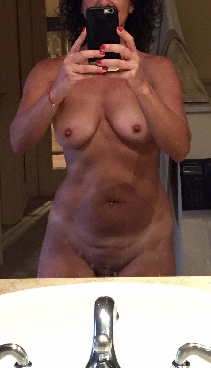 Nude Selfie 8732