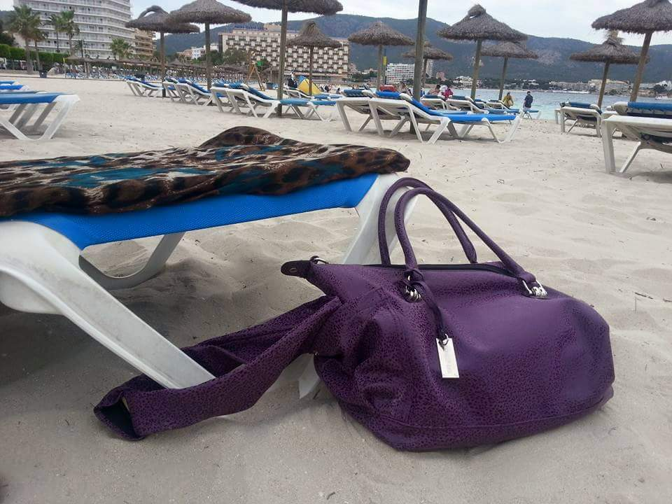 Lovethisbag Beach Safe Holidayholdall Beachlife Secure Lockable Bag Stops The Opportunist Thief Running Off With Your Stuffpic Twitter