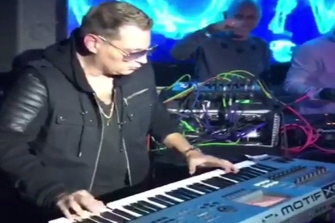 Watch Scott Storch Play Some of the Classic Hip-Hop Hits He
