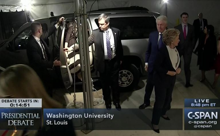 On the left: the Clintons arrive .... On the right, the accusers are in the room https://t.co/HYCc9SscBb