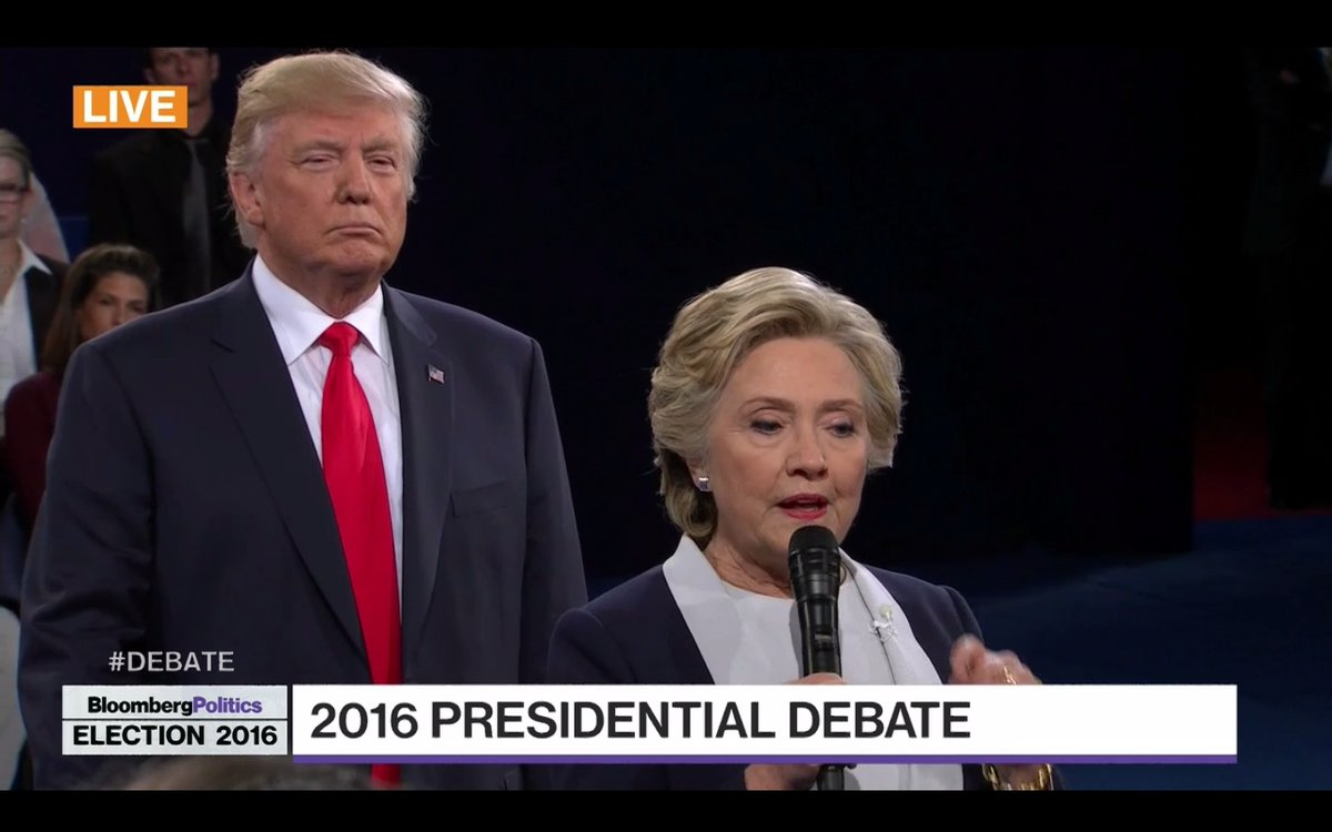 This #CreepyClown epidemic is really getting out of control. #debate https://t.co/76TUndwcPR