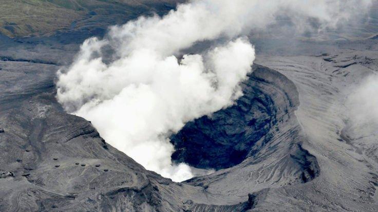 Il vulcano più grande del mondo torna in eruzione