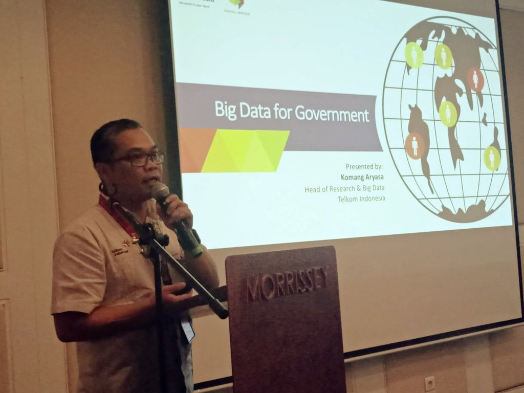 Ida Bagus Mahaputra from @TelkomIndonesia presents '#BigData for Government' #DataCollab https://t.co/vHCw9kSxho