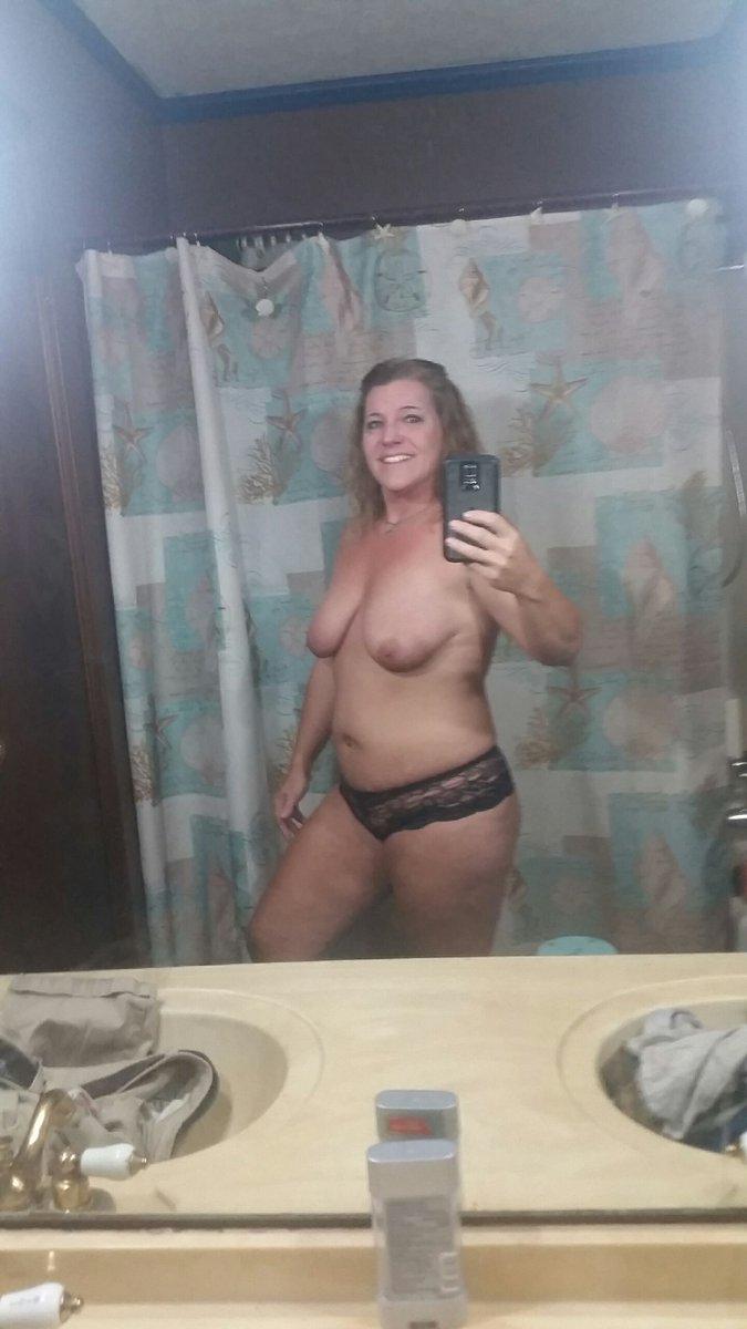 Nude Selfie 8802