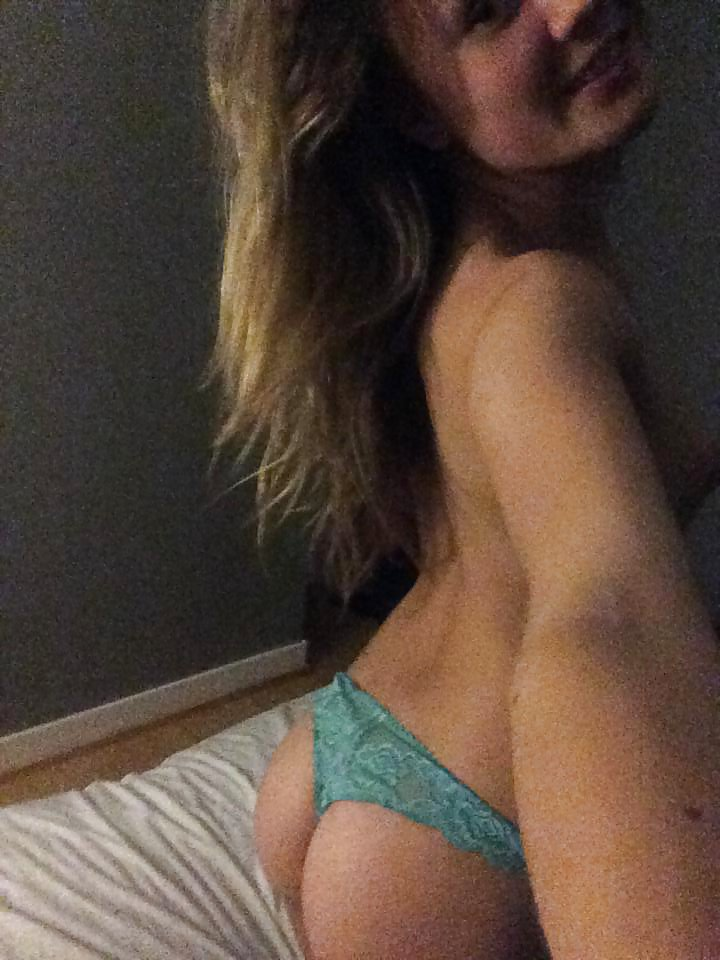 Nude Selfie 8840