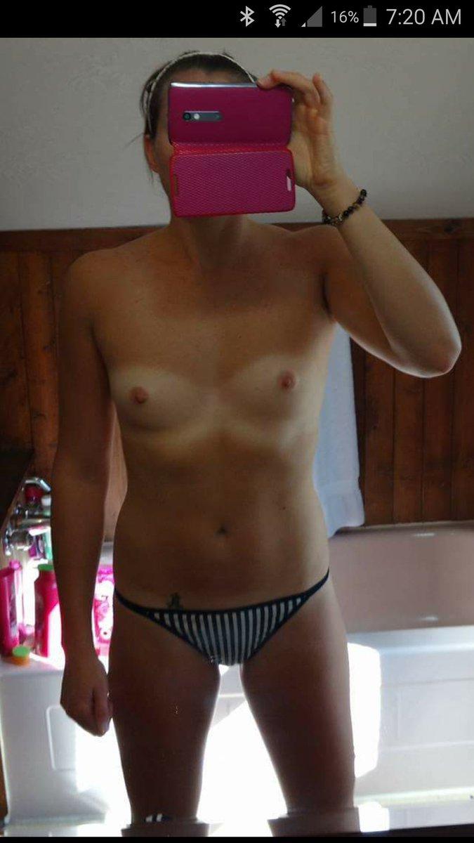 Nude Selfie 8851