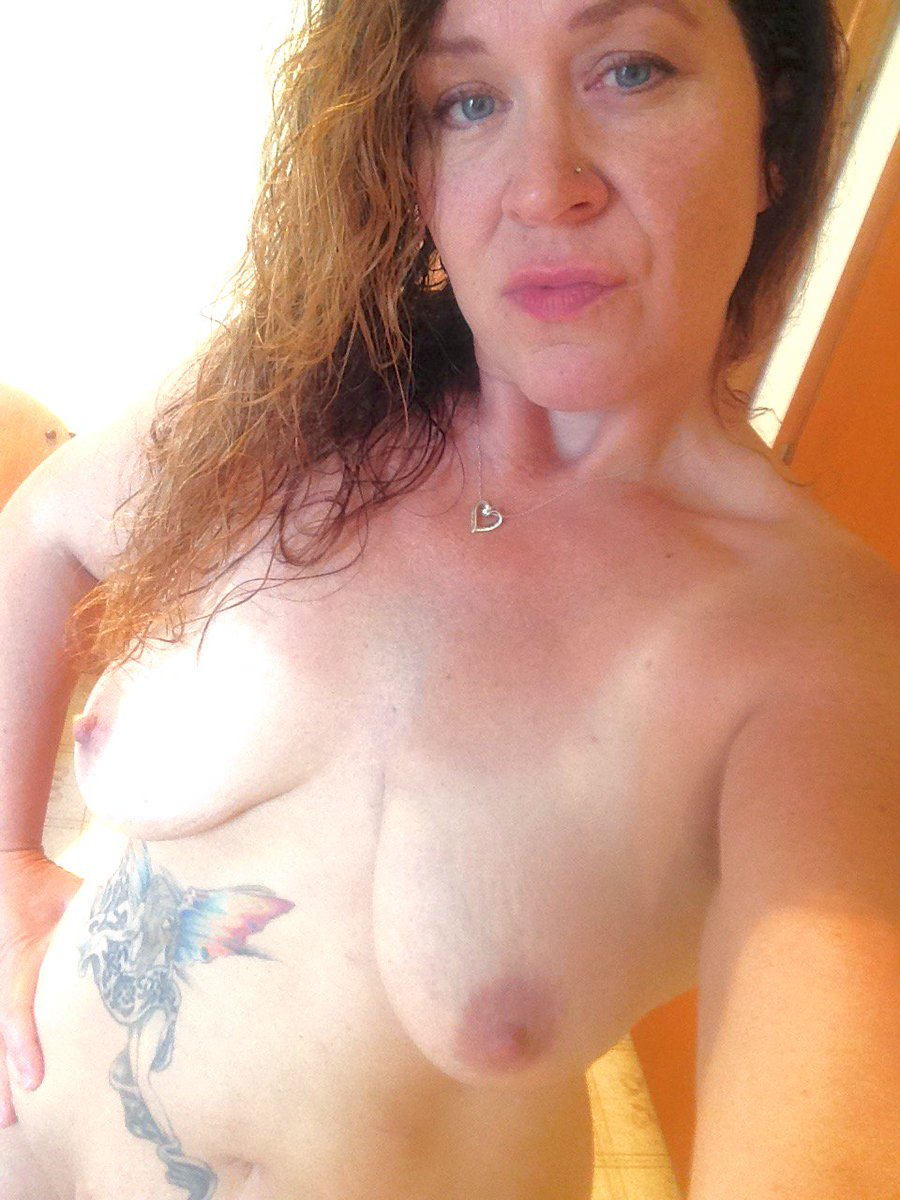 Nude Selfie 8876
