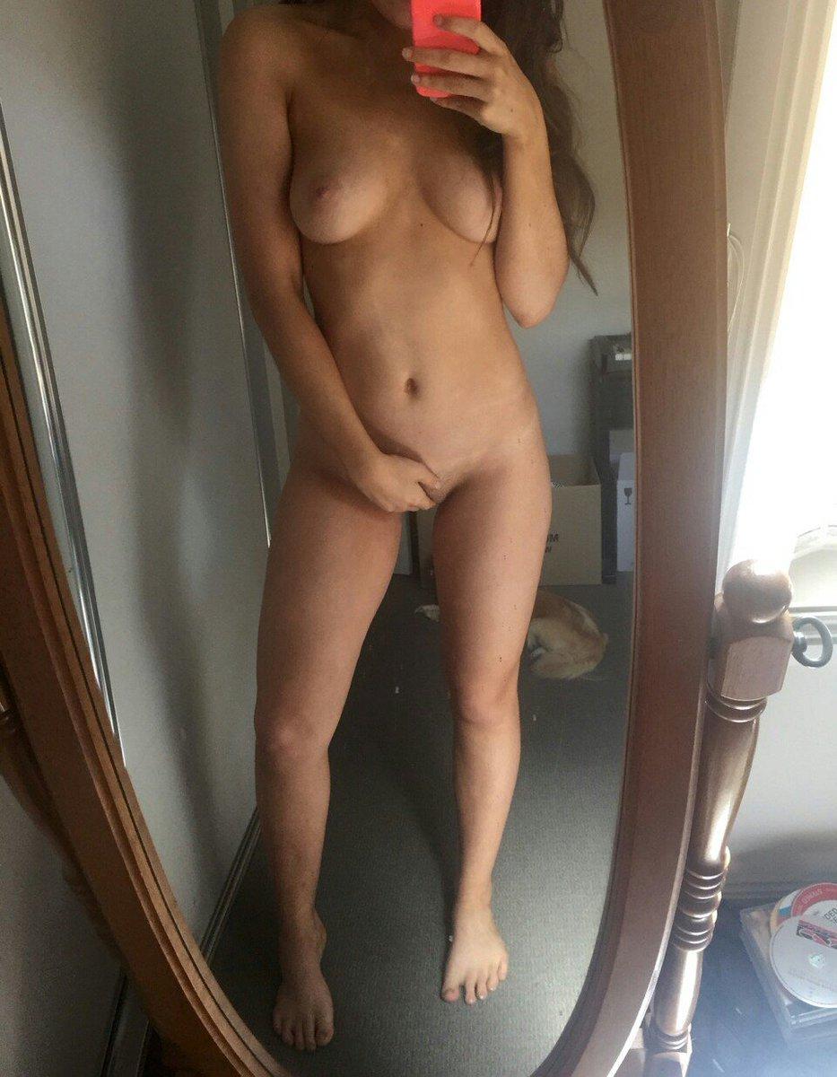 Nude Selfie 8887
