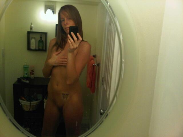 Nude Selfie 8886