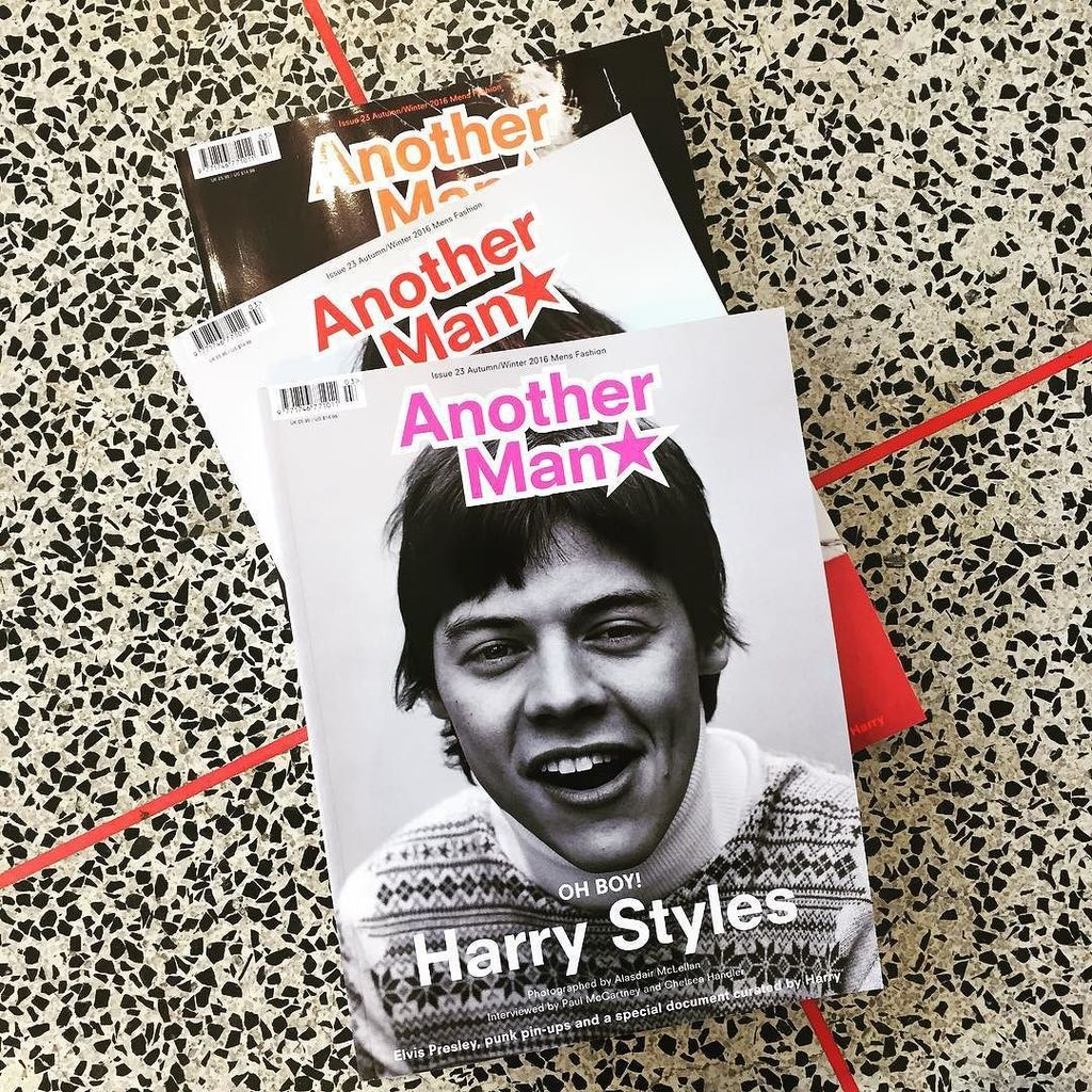MORE! @another_man with some bloke on the cover @harrystyles #magcultureshop #tw https://t.co/4YWc7iFLSU