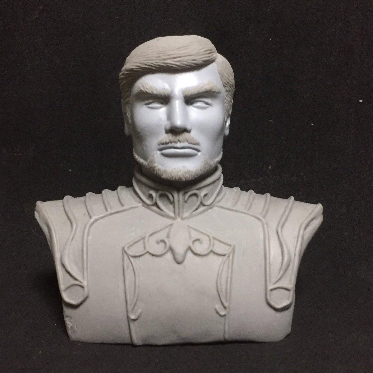 銀河英雄伝説よりカール・ロベルト・シュタインメッツ上級大将の胸像と、ゴールデンルーヴェのエンブレムを本申請致しました。許可降りると いいな…#wf2017w